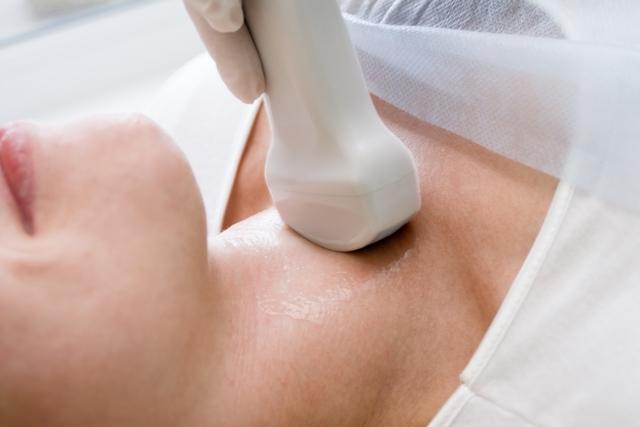 Exames de imagem podem ajudar a diagnosticar problemas na tireoide